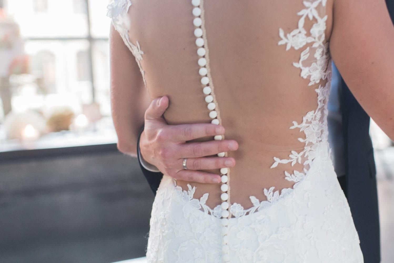 Brushstroke Hochzeit Rücken